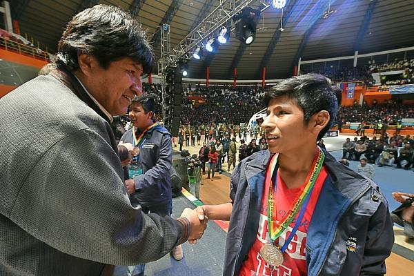 La Paz gana octava versión de la Olimpiada Científica