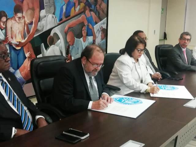 Ministerio de Educación y Universidad Autónoma de Santo Domingo firmaron convenio de intercambio de experiencias educativas