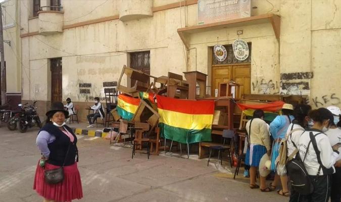 En Tupiza, 400 alumnos se quedan sin colegio por líos de derecho propietario
