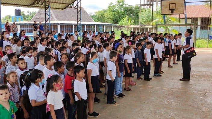 Estudiantes de Riberalta acuden a pasar clases semipresenciales
