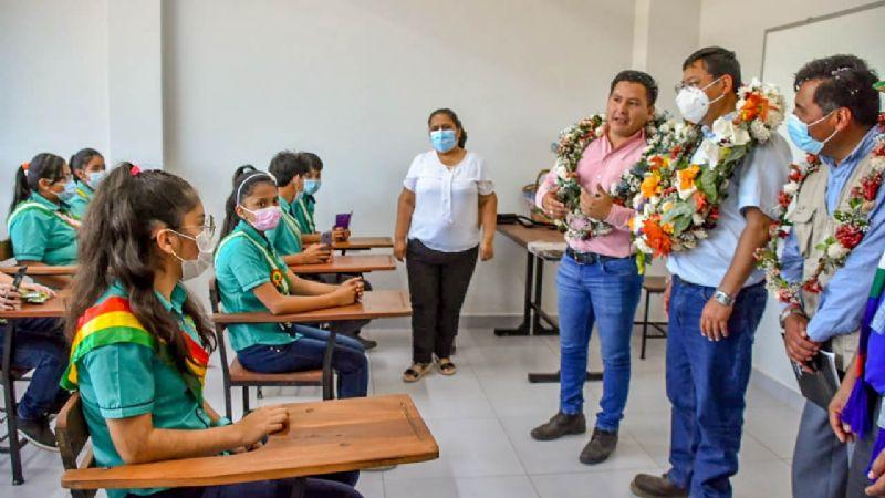 Arce asegura que el 77% de los colegios pasan clases presenciales y semipresenciales