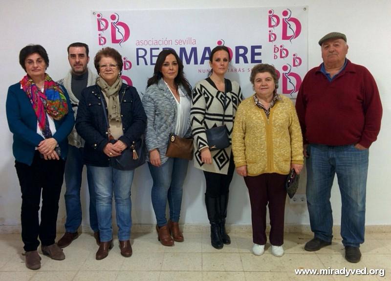 LA HERMANDAD DE LA SOLEDAD ENTREGA A RED MADRE DIVERSOS PRODUCTOS INFANTILES