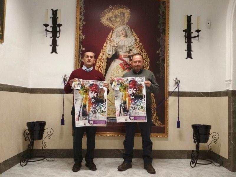 FRANCISCO JOSÉ PAVÓN HACE ENTREGA DEL CARTEL DE PASIÓN DE ALJARAFE 2018