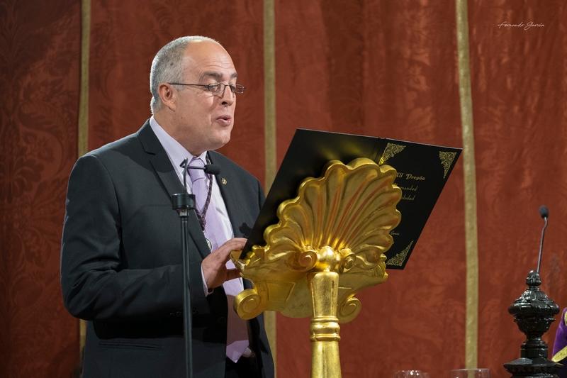 ALFREDO DELGADO GARCÍA CAUTIVA AL NUMEROSO PÚBLICO EN EL XXII PREGÓN DE LA SEMANA SANTA DE OLIVARES