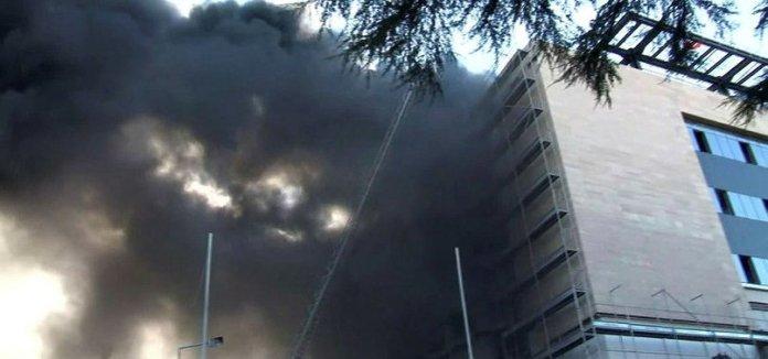 Son dakika: İstanbul Üniversitesi Çapa Tıp Fakültesi Hastanesi inşaatında korkutan yangın!