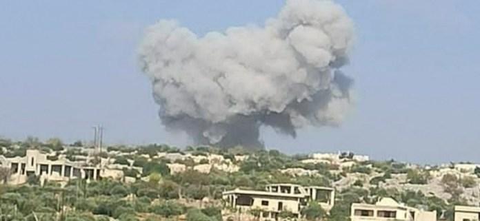 Rus uçakları İdlib'in güneyini bombalıyor