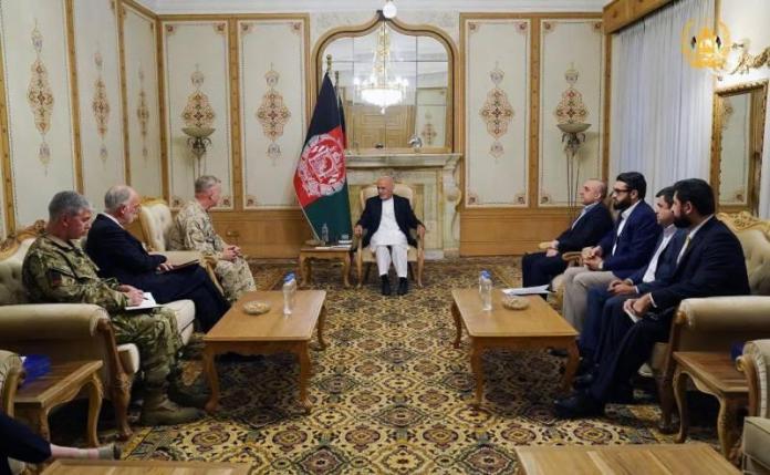 McKenzie, basın toplantısı öncesi Afganistan Cumhurbaşkanı Eşref Gani ile görüştü.