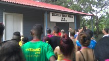 Jóvenes de Cuba en Birán, lugar natal de Fidel y Raúl Castro..Jóvenes de Cuba en Birán, lugar natal de Fidel y Raúl Castro.