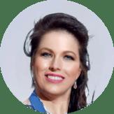 Marina Nickel ist die Inhaberin vom Tanzstudio Miral und leidenschaftliche Bauchtänzerin. 2013 hat sie eine einjährige RAKSLive Musik- und Tanzausbildung bei Nabila Sabha absolviert. 2016 hat sie den 1. Platz auf dem orientalischen Festival in Berlin gewonnen. Gern kann Marina Ihre kulturelle oder private Veranstaltung durch Orientalischen Tanz bereichern.