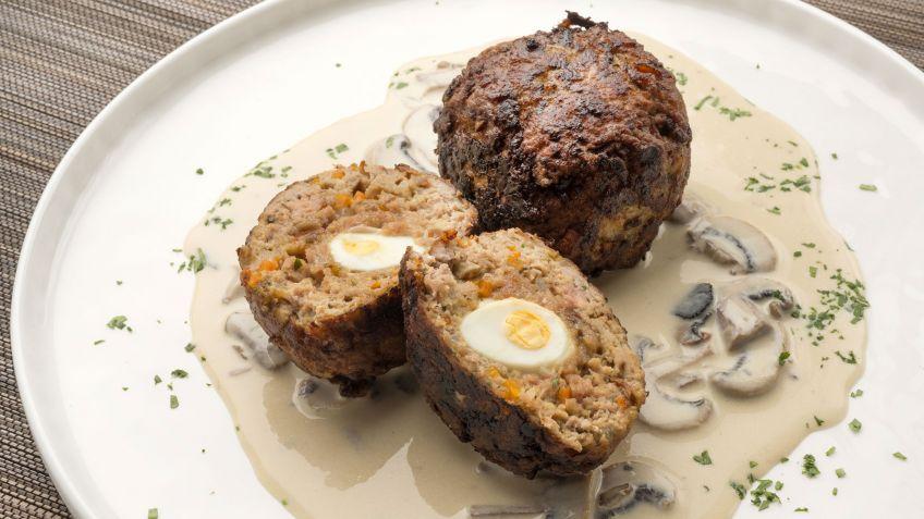 Receta de Albóndigas rellenas con salsa de trufa y champiñones