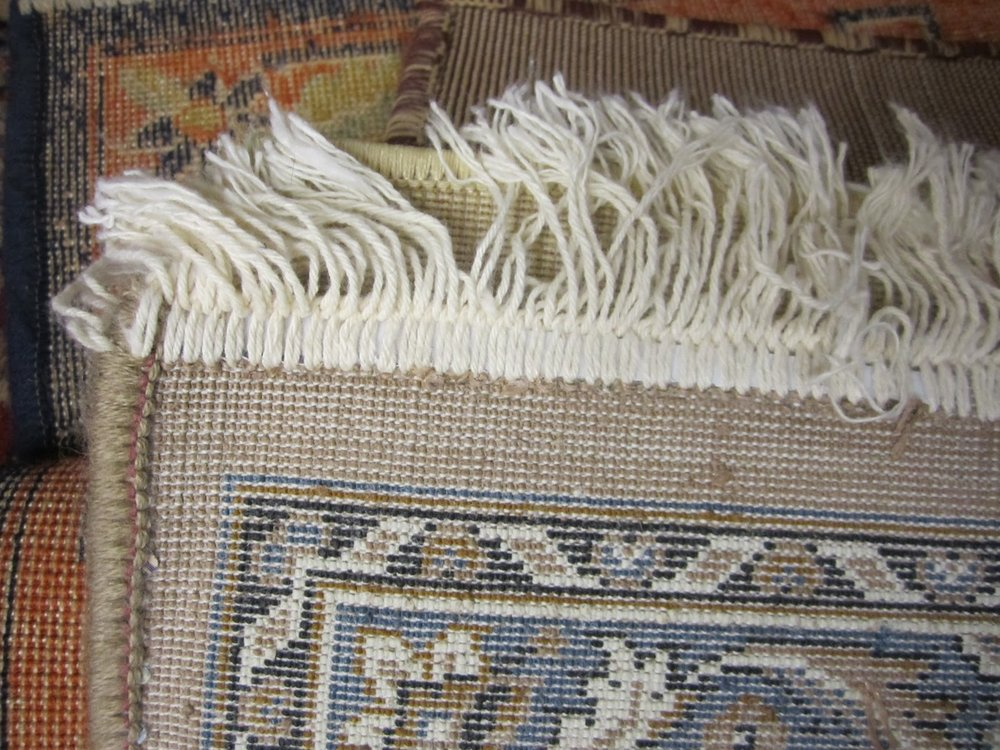 How to Tell if a Rug is Handmade | Miranda Schroeder Blog  www.mirandaschroeder.com  #persianrugs #vintagerugs #rugsnotdrugs #carpets #ihavethisthingwithrugs