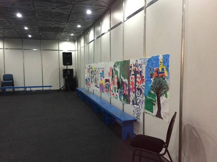 Pinturas realizadas por los chicos durante el taller de arte. Crédito: Milagros Álvarez Cañedo