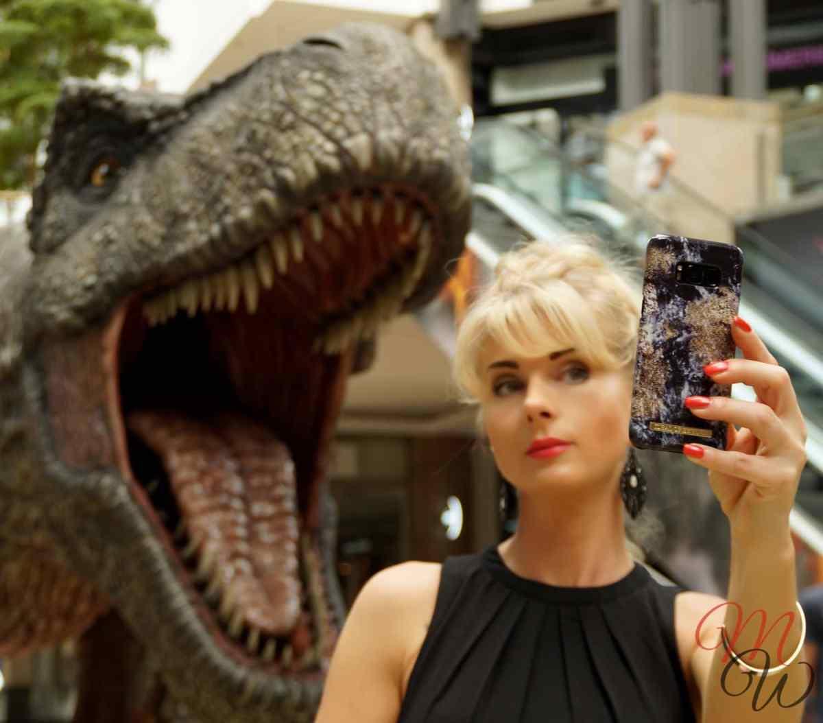 """Wie """"iDeal of Sweden"""" auf einen Dinosaurier traf"""