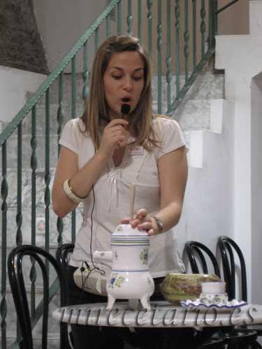 Maria y la chocolatera.