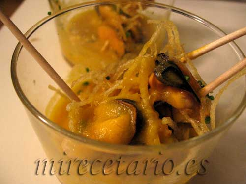 Pintxo 2, mejillones al curry
