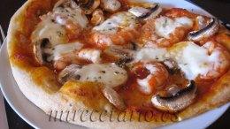 Pizza casera individual.