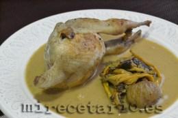Codornices con trompetillas en salsa de castañas