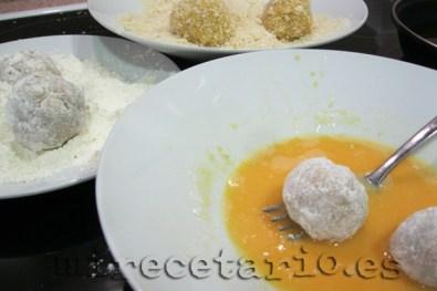 Empanar, harina, huevo y panko