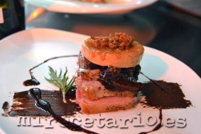 Dúo de magret de pato y foiegras con orejones y chocolate picante