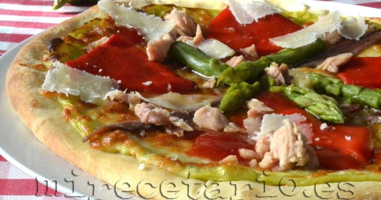 Pizza de espárragos verdes y Quedada Mañosa