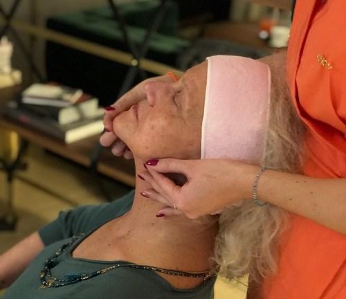 Routine soin visage avec les produits Exertier