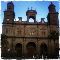 Am Hauptplatz der Altstadt steht die Kathedrale Ana aus dem 15. Jahrhundert.