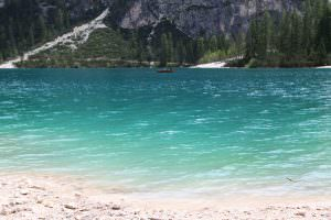 Lago di Braies, um paraíso natural no sul do Tirol - Dolomitas - Itália