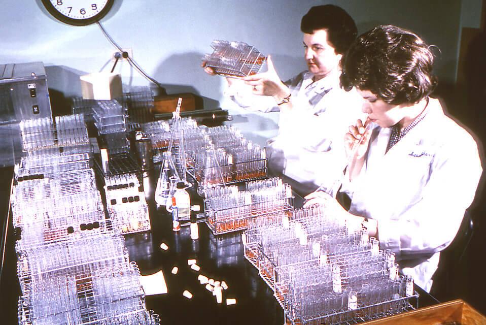 Mujeres científicas, el éxito que debemos contar