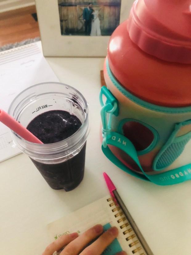 Breakfast smoothie and hydrojug