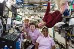 Somente mulheres astronautas fazem isto