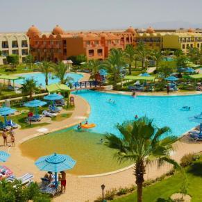 TITANIC BEACH EGIPT 2022 MIRIFIC GIL