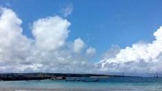 Pantai ini terletak tepat di samping dermaga kapal ikan yang dibangun di antara pantai Kelan dan Jimbaran