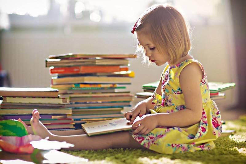 çocuğa kitap okuma alışkanlığı nasıl kazandırılır ile ilgili görsel sonucu