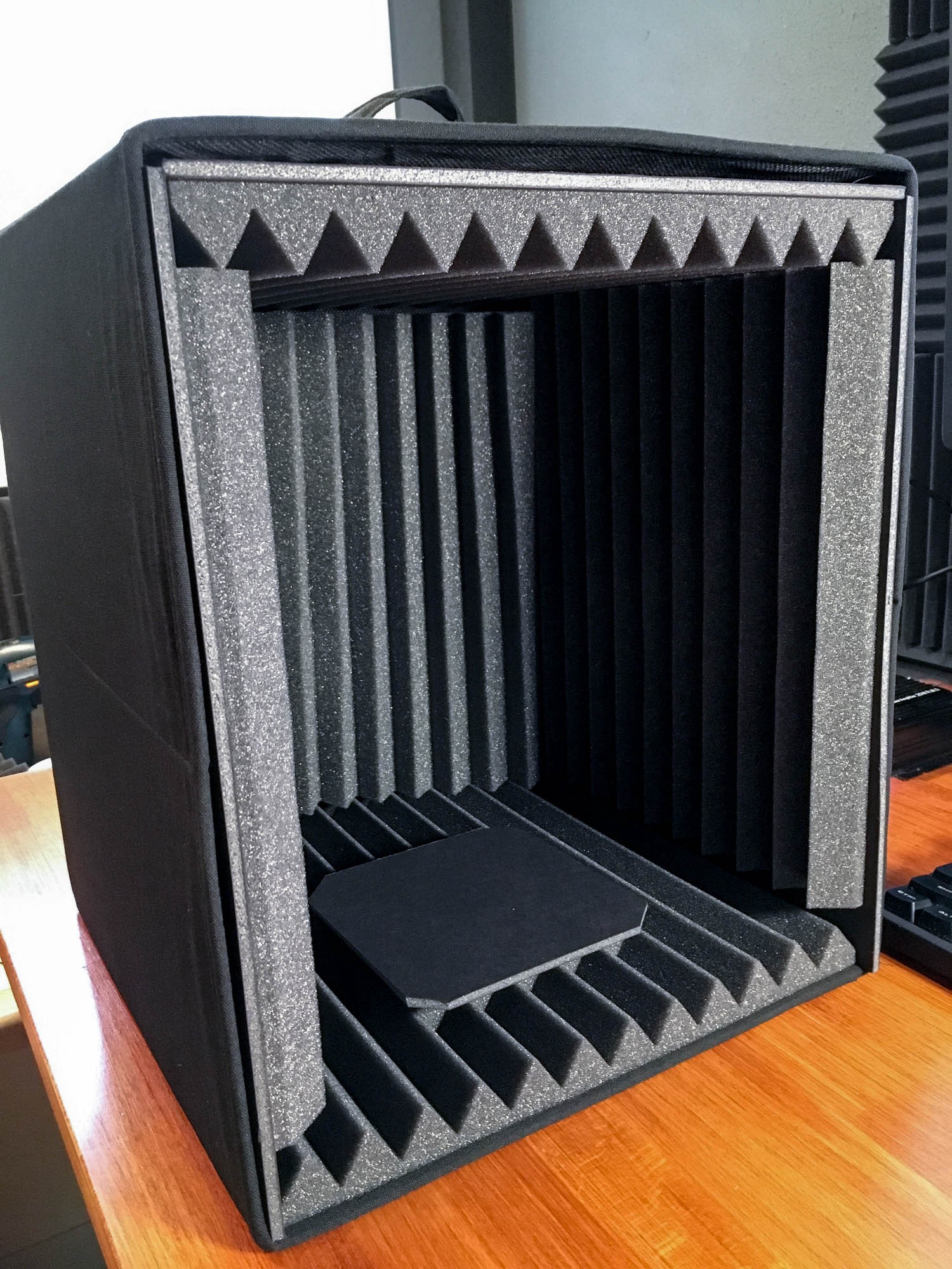 Diy 20 Microphone Isolation Box For Podcasting