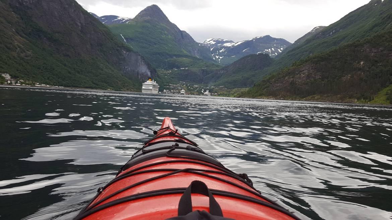 geiranger kayaking