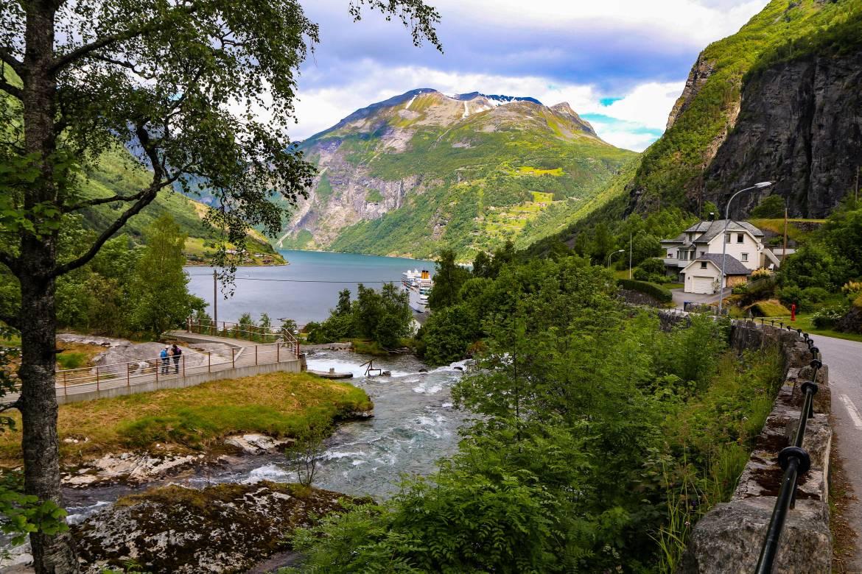 Geiranger fjord center