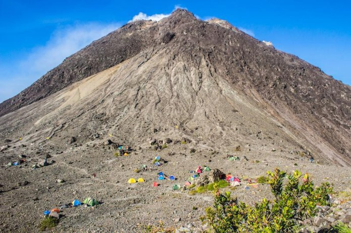 Summiting Mount Merapi How To Climb Indonesia S Most Active Volcano With No Guide By Twobirdsbreakingfree Medium