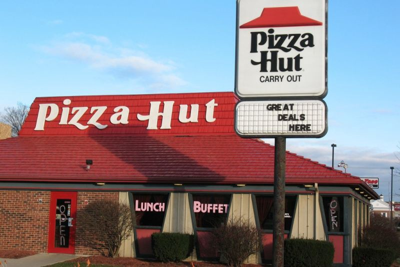 an ode to the sit down pizza hut an
