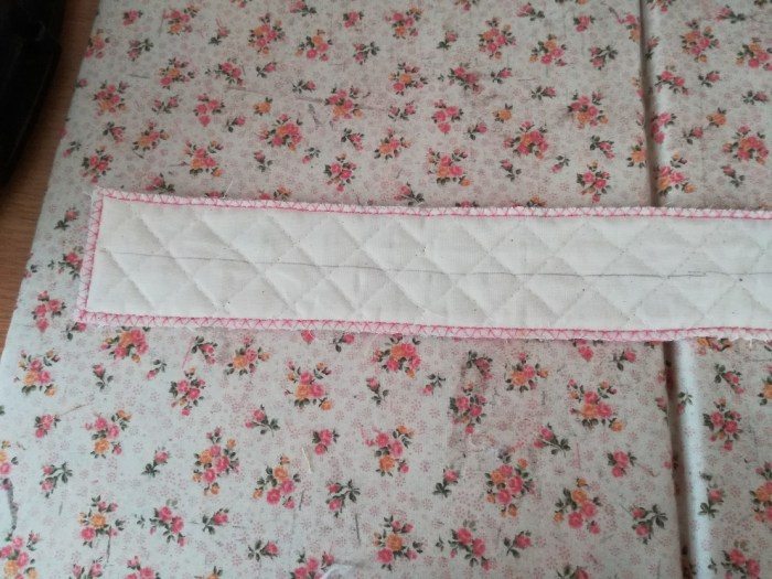 上履き入れの簡単な作り方手順:共布で持ち手を作る①表布の裏に中心線を引く