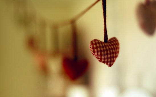 love-handmade-hearts-string-focus-1680x1050
