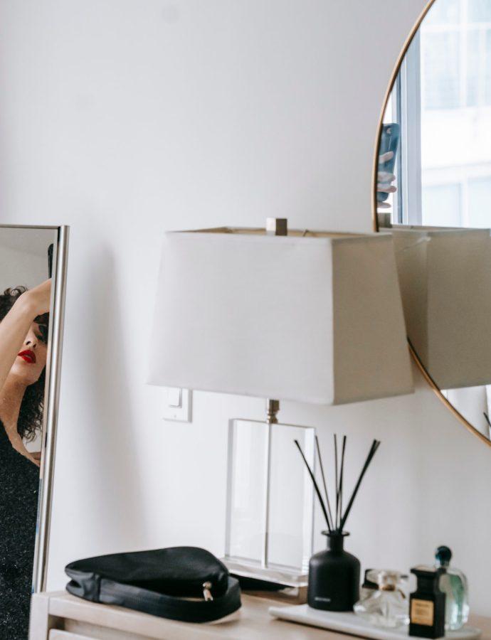 Best Travel Makeup Mirror [March 2020]