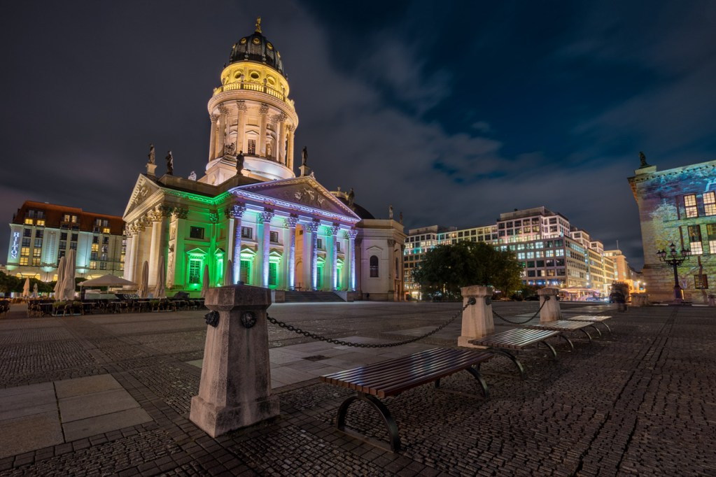 Der Gendarmenmarkt zum Festival of Lights in Berlin.