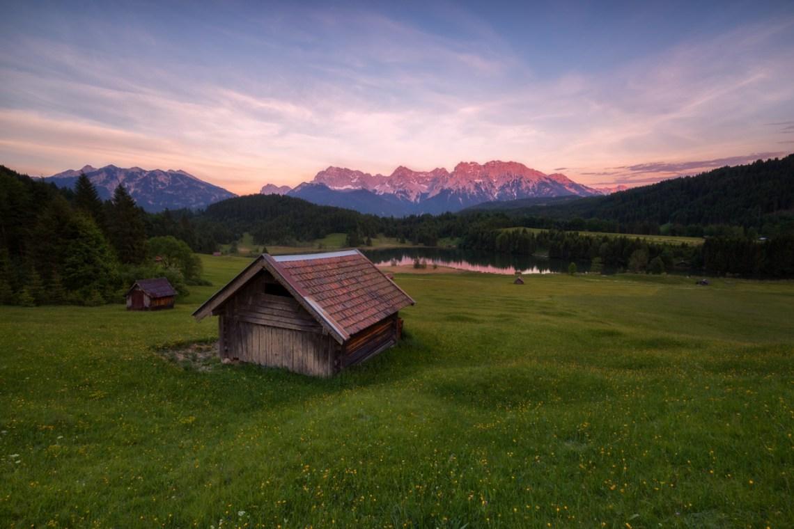 Landschaftsfoto mit Blick auf den Geroldsee zum Sonnenuntergang