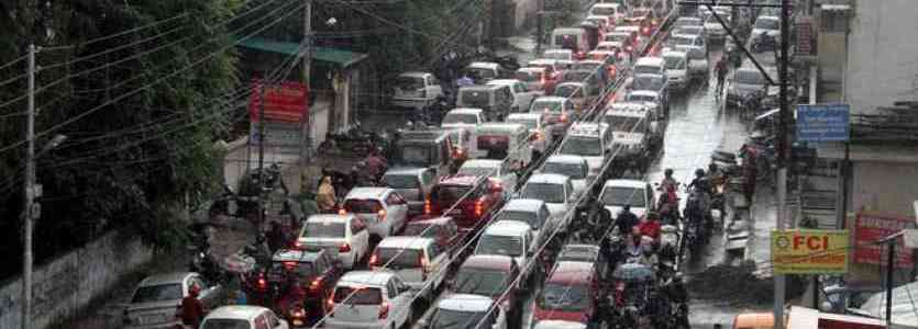 देहरादून की रंगत खत्म कर दी है यहां की ट्रैफिक व्यवस्था ने, बता रहे हैं बलबीर सिंह