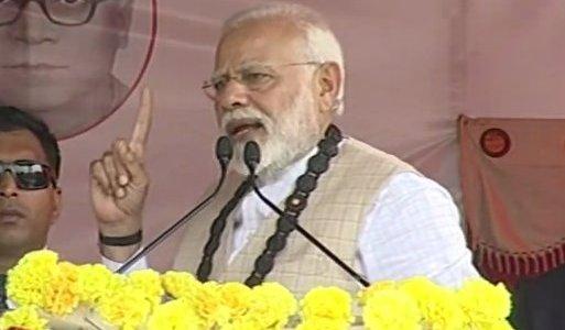जब मोदी ने हजारों की भीड़ से माफी मांगी, और कहा कांग्रेस झूठ बोल रही है