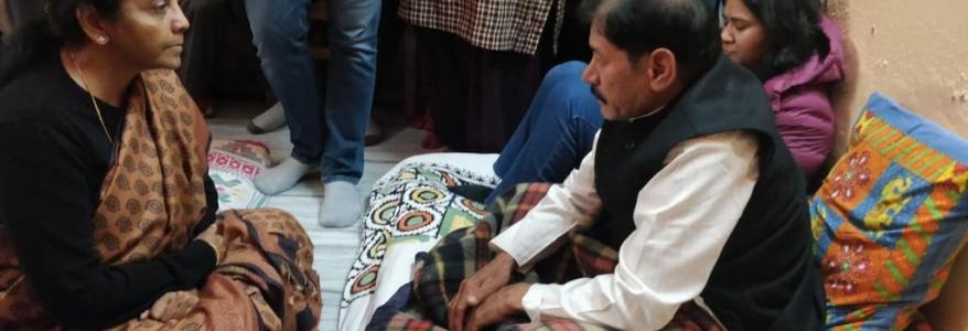 होनहार शहीद पायलट को श्रद्धांजलि देने खुद पहुंची रक्षामंत्री, जन्मदिन को हुआ था शहीद