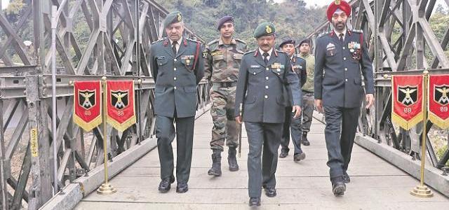 उत्तराखंड – सेना ने सिर्फ पांच दिन में बनाया टूटे पुल को, सिविल प्रशासन को आईना