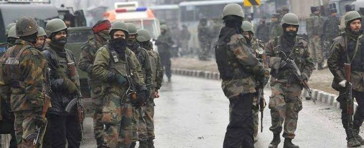 जम्मू-कश्मीर : अब तक के सबसे बड़े आतंकी हमले में 44 सैनिक शहीद, भारत-पाकिस्तान तनाव और बढ़ेगा