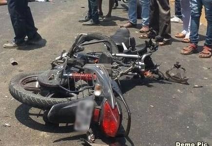 उत्तराखंड : सड़क दुर्घटना में दो जवान लड़कों की मौत, बाइक में सवार थे दोनों
