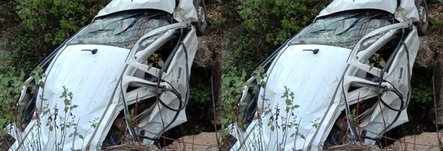 उत्तराखंड : कार के खाई में गिरने से उड़े परखच्चे, 5 लोग सवार थे इसमें, उत्तराखंड और दिल्ली से थे ये लोग